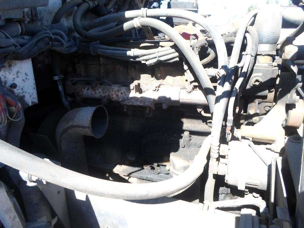 Caterpillar 3126 Engine for a 2000 Freightliner FL60 For