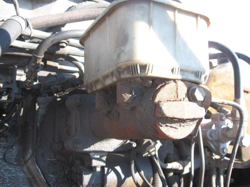 1995 Ford F800 Brake Booster