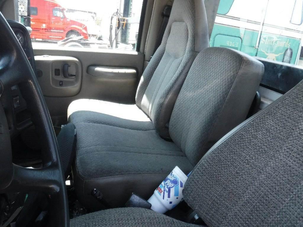 GMC C4500-C8500 Right Seat for a 2003 GMC - Medium C4500 For Sale | Hudson,  CO | 265367 | MyLittleSalesman com