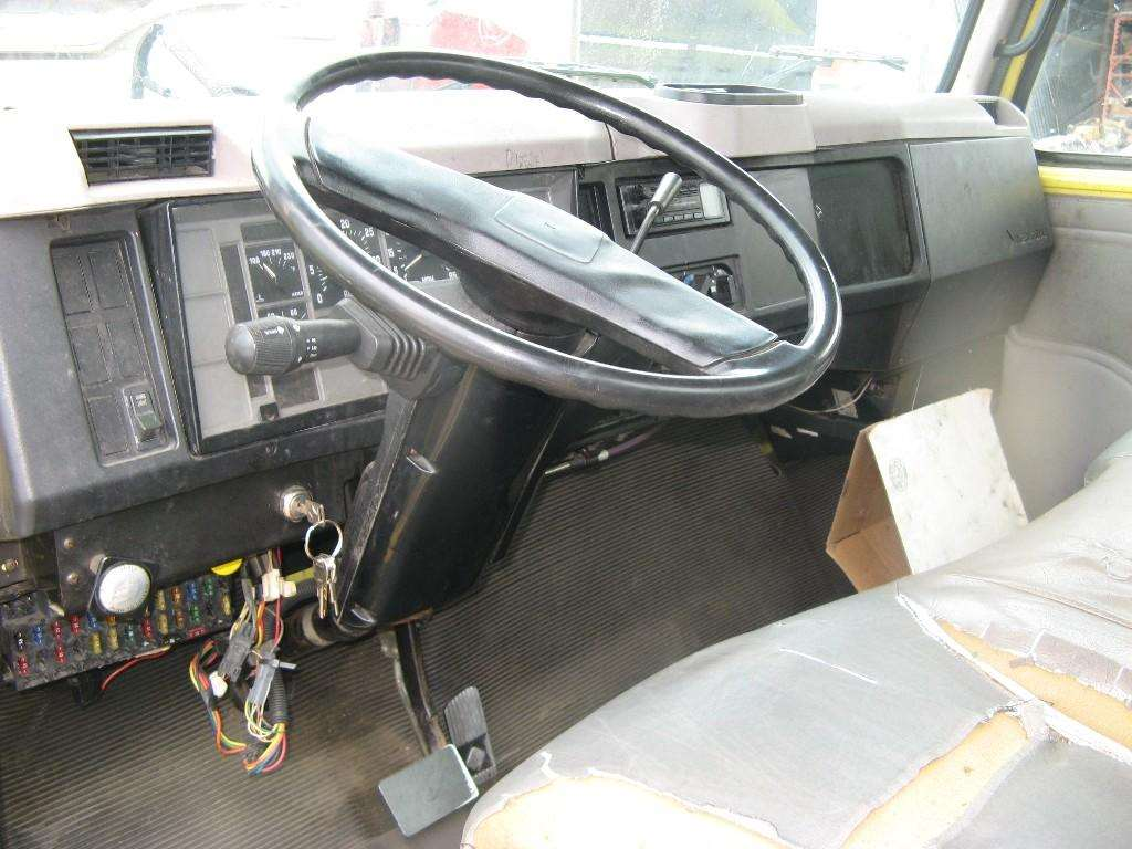 International 9900 Wiring Turn Signal Trusted Diagrams 1996 4900 Diagram Switches For Sale Mylittlesalesman Com 4700 8200