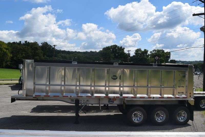 Alum trailers likewise Photos together with Drop Bed Low Loader besides 2017 Ford F 550 Flatbed Truck 8914092 further Used Pj Trailers 2014 Pj Trailers Gooseneck Flatbed W Monster R s. on side dump trailers