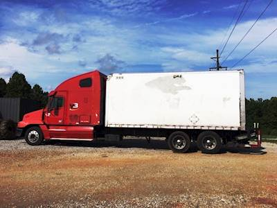 2004 Freightliner Century Class S/T Sleeper Hot Shot Expidited Truck 14 0L  Detroit 10-Speed Automatic 20' Box Liftgate Reman Engine