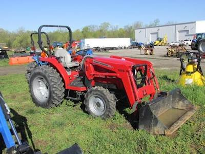 2006 Massey Ferguson 1533 Tractor