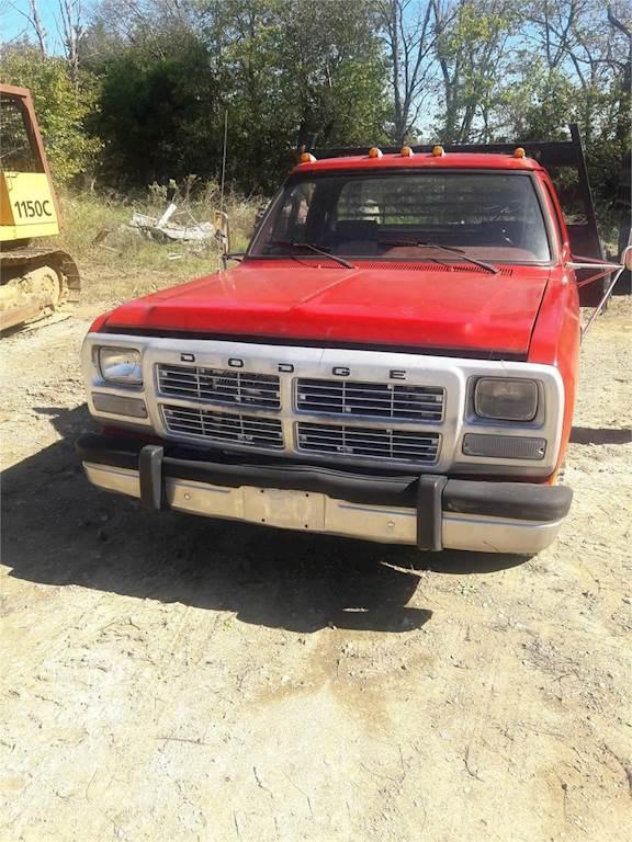1990 dodge ram 350 flatbed truck for sale 140 163 miles bardstown ky c177. Black Bedroom Furniture Sets. Home Design Ideas
