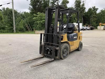2004 Caterpillar GP25K Pneumatic Tire Forklift