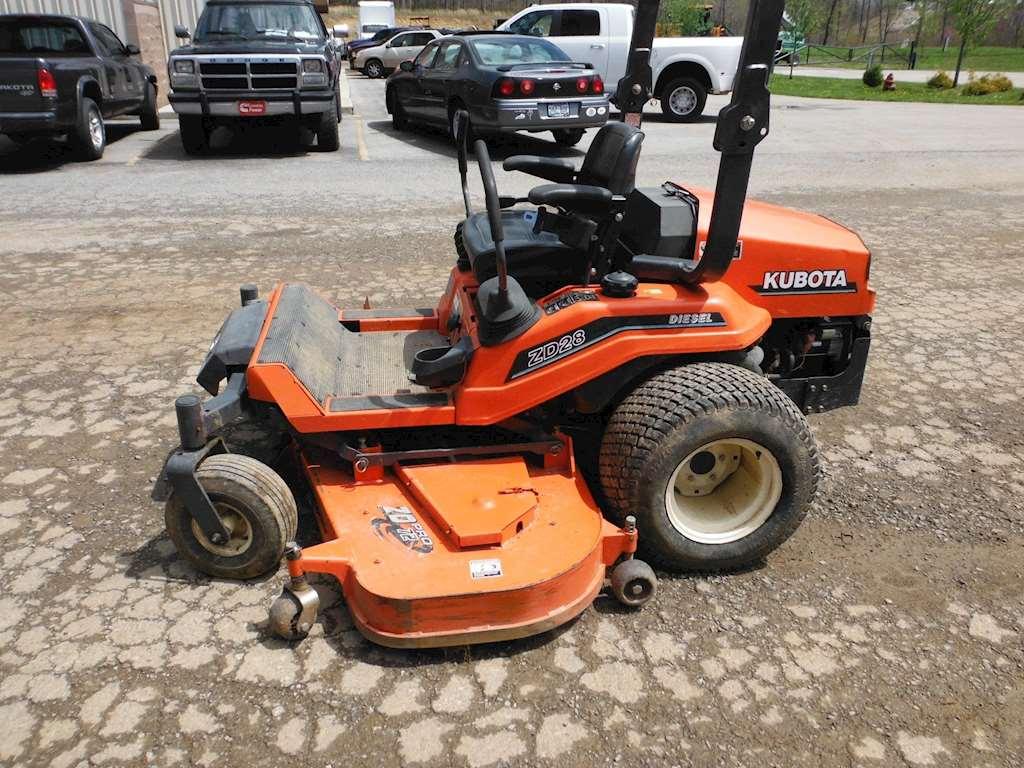 Kubota Lawn Tractors : Kubota zd riding lawn mower for sale hours
