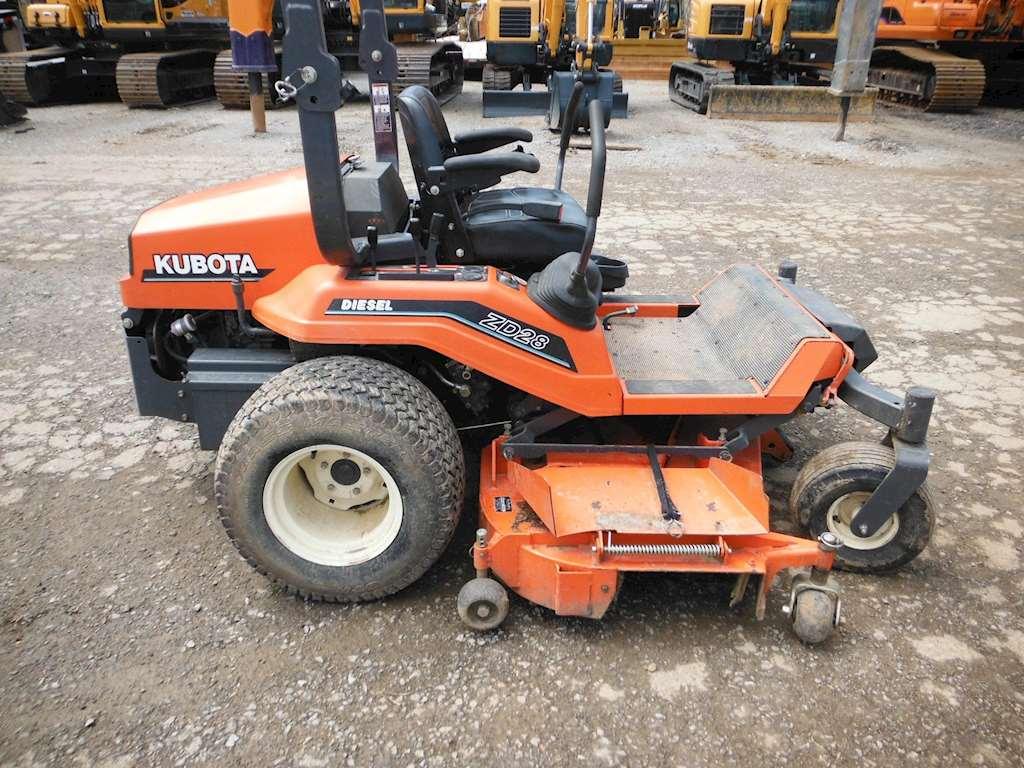 2004 kubota zd28 riding lawn mower for sale 216 hours bardstown ky 9034116. Black Bedroom Furniture Sets. Home Design Ideas