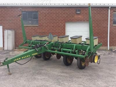 John Deere 7000 Planters Row Units For Sale Mylittlesalesman Com