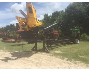 John Deere 437D Log Loader