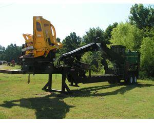 John Deere 437D Log Loader