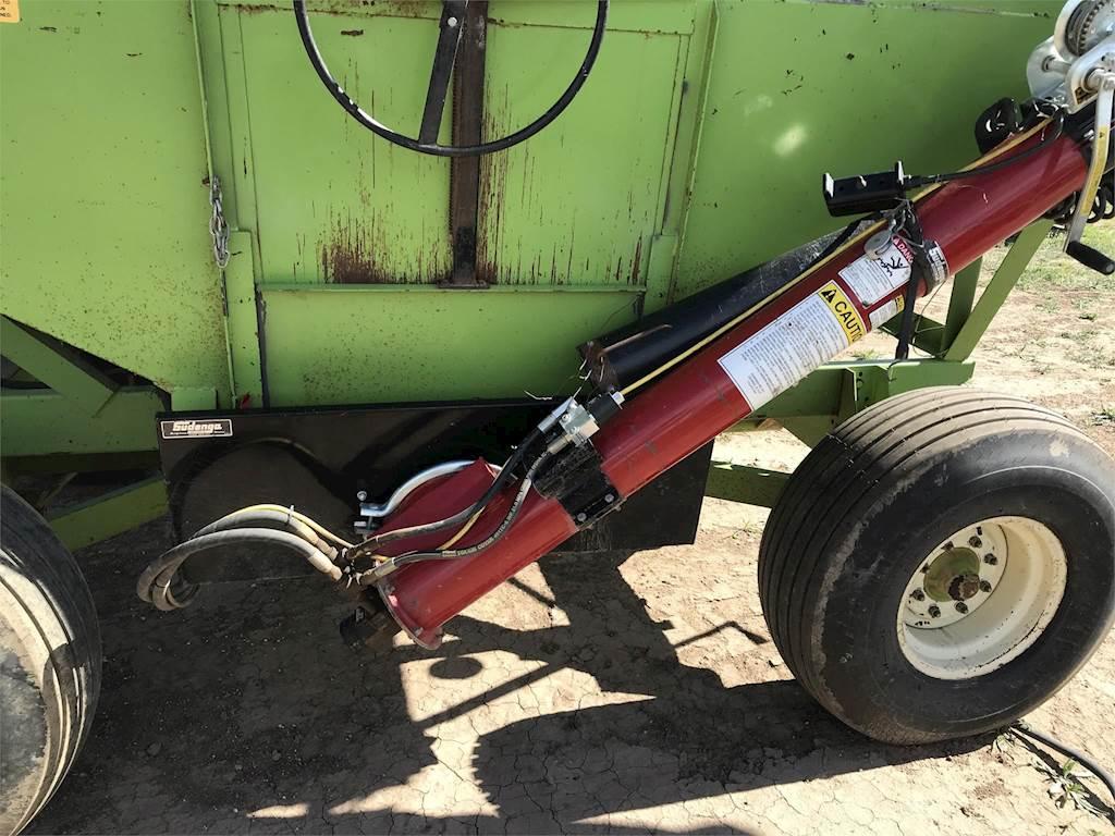 Parker 2500 Gravity Wagon For Sale | Hale Center, TX | 1984
