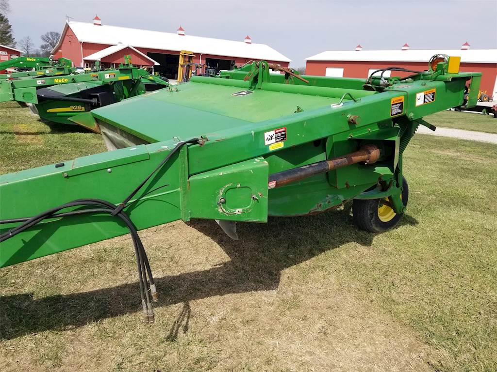 John Deere 920 Windrower