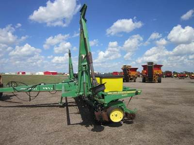 John Deere 7200 Planter Row Unit For Sale Hoxie Ks U60578