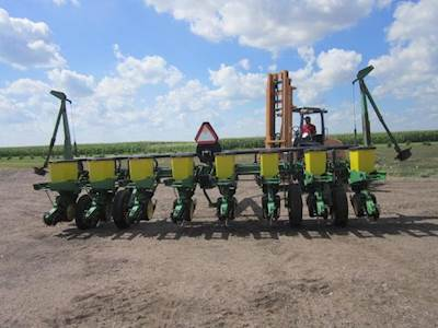 John Deere 7200 Planter Row Unit For Sale Hoxie Ks U60578