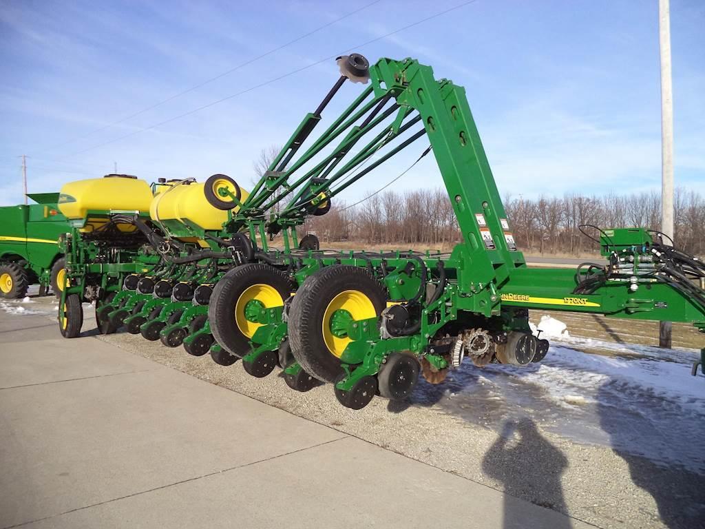 2013 John Deere 1770nt Ccs Planter Row Unit For Sale Decorah