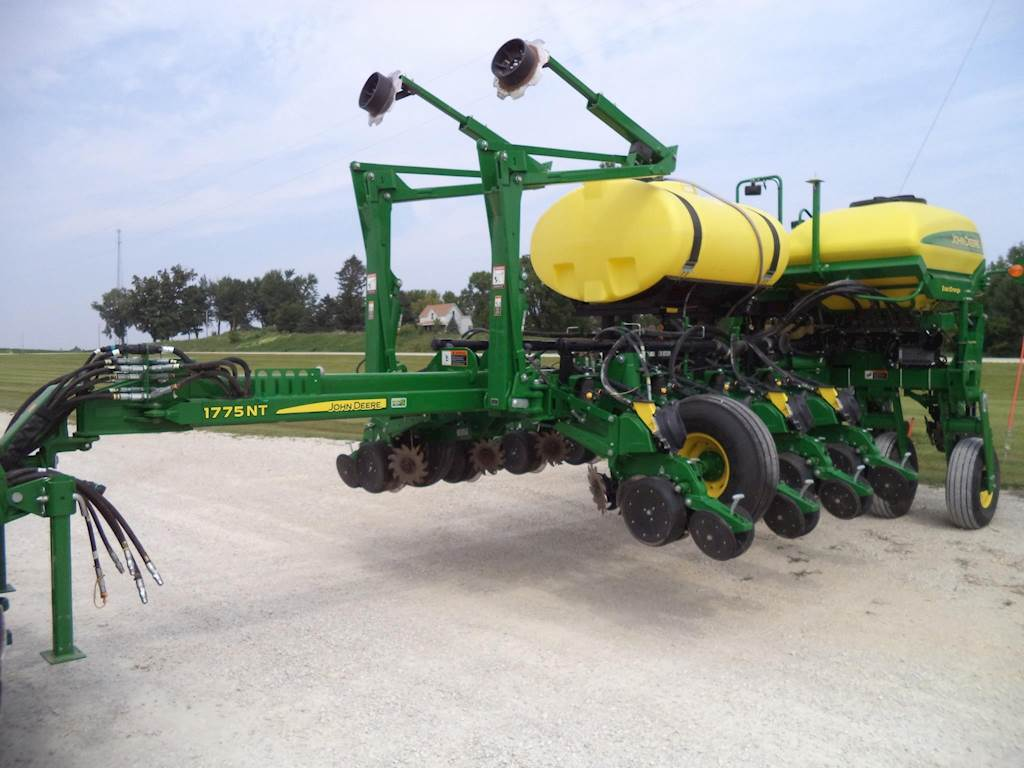 2015 John Deere 1775nt Planter Row Unit For Sale Decorah Ia