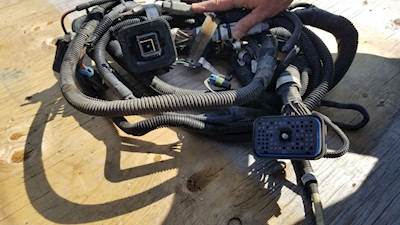 Caterpillar C13 Wiring Harness for a 2007 Kenworth T600 on caterpillar injectors harness 3406e, caterpillar harness start, caterpillar radiator, caterpillar cylinder head, caterpillar c15 wiring-diagram, caterpillar c15 engine harness, caterpillar fuel harness, caterpillar harness common ground,