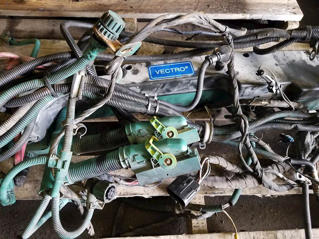 Volvo VED12 Wiring Harness for a 2012 Volvo VNL For Sale | York, ON, Canada  | VED12-64 | MyLittleSalesman.com | Volvo D12 Wiring Harness |  | My Little Salesman