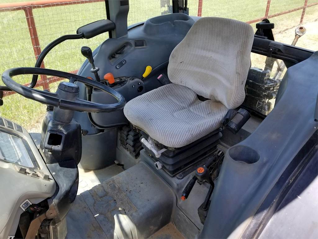 2002 New Holland TN65D Tractor