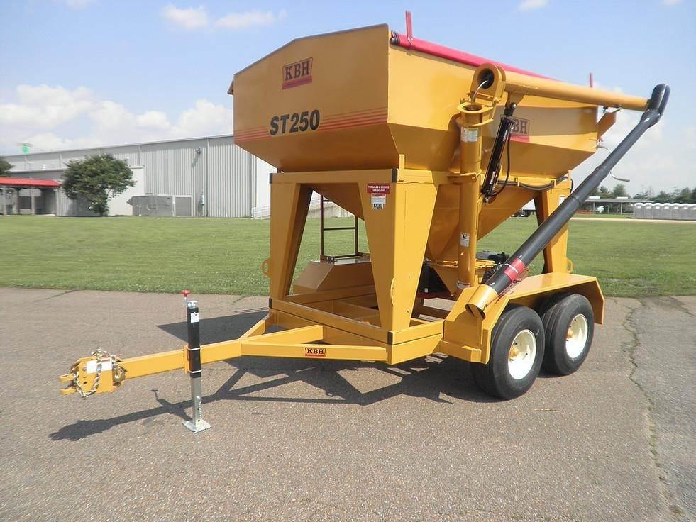 2019 KBH ST250 Seed Tender For Sale | Clear Lake, IA | 9557507