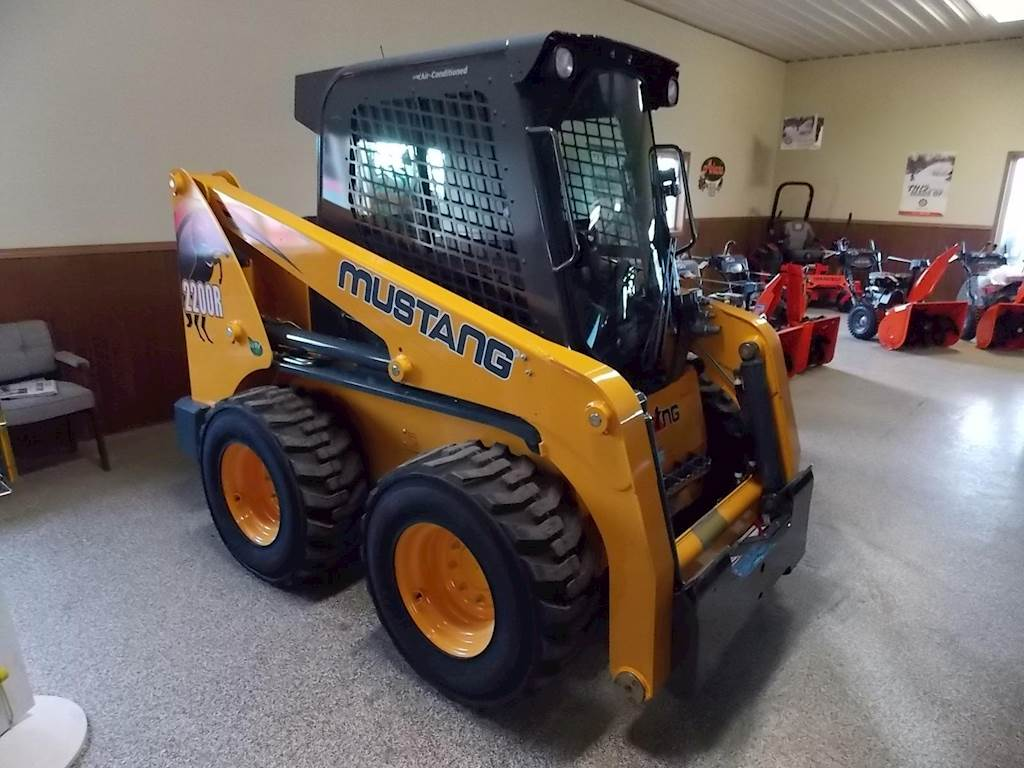 2019 Mustang 2200R Skid Steer For Sale | Worthington, IA | 9314931