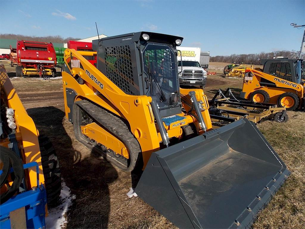 2018 Mustang 3200VT Skid Steer For Sale | Worthington, IA | 9395423
