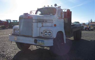 Used Diamond Reo C10142D Flatbed Trucks For Sale