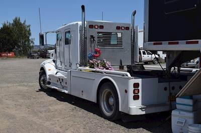 2005 Peterbilt 335 Schwalbe Crew Cab Conversion 2005 Cimarron 4
