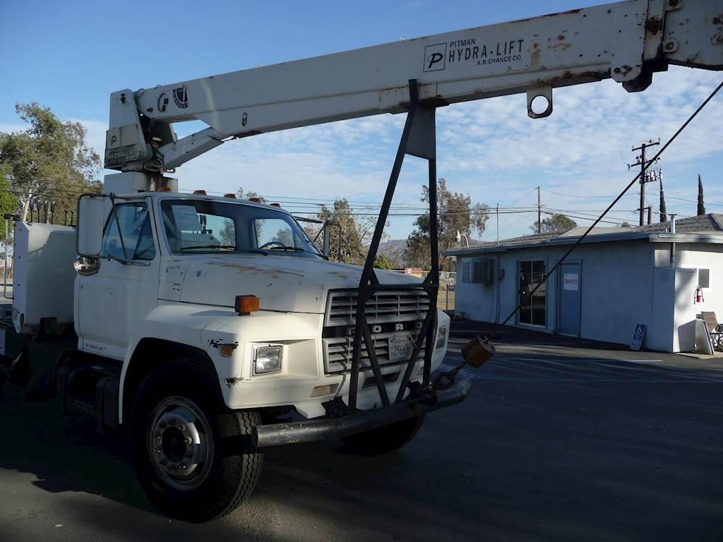 1986 Ford F700 6 Ton Crane Truck CARB OK