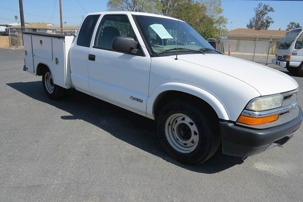 2001 Chevrolet S10 Extended Cab Service Utility Work Truck For Sale  80 887 Miles