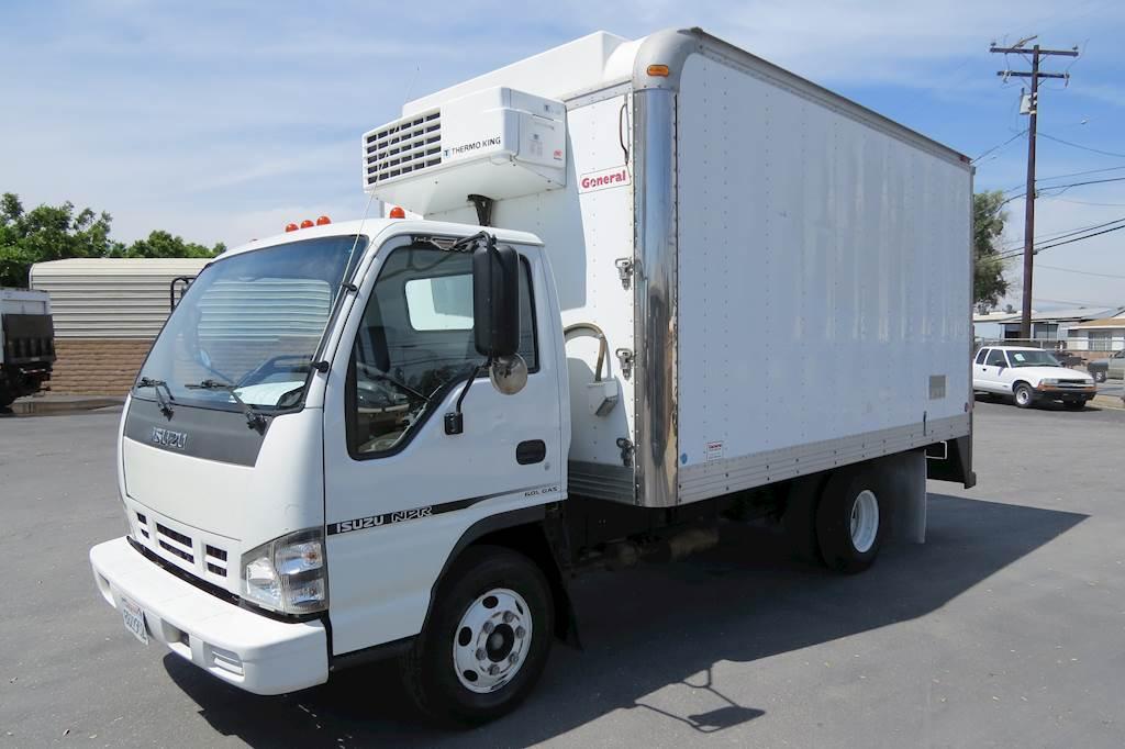 2007 Isuzu NPR 14 Ft. Reefer Box Van Truck CARB OK