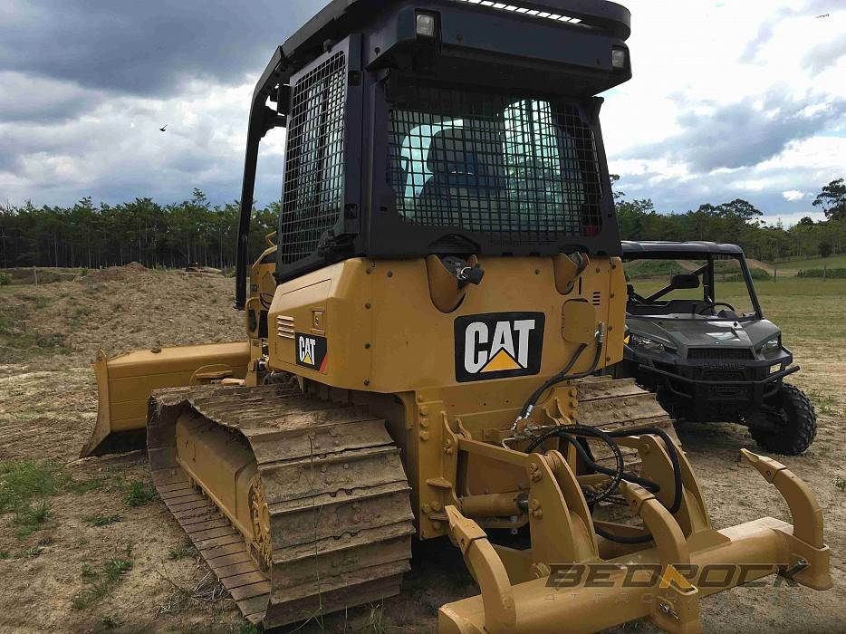 2018 Screens And Sweeps Fits Cat D4k Bulldozer For Sale Irvine Ca