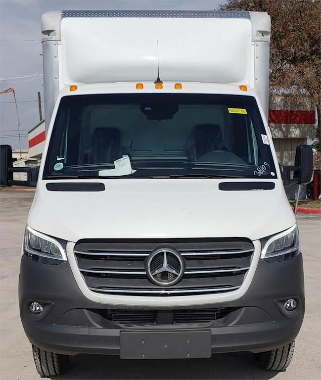 2019 Mercedes-Benz SPRINTER 3500 XD 14 ft Box Truck - 188HP, 7 Speed Automatic, Roll up Door ...