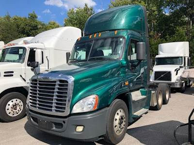 Freightliner Cascadia Evolution Day Cab Semi Trucks For Sale
