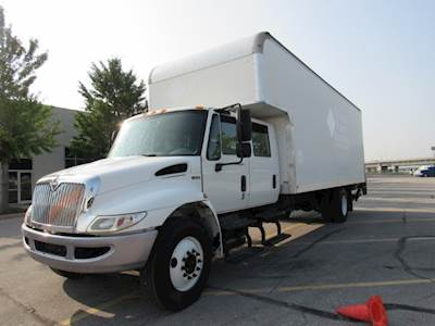Straight Box Truck With Sleeper For Sale