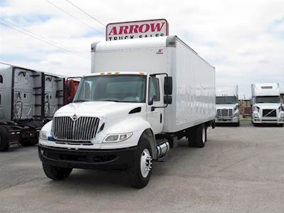 2015 International 4300 Single Axle Box Truck, Cummins ISC/220, 220HP, 5  Speed Manual