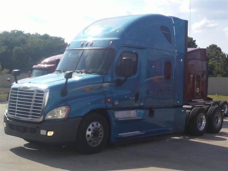 2016 Freightliner Cascadia Evolution Sleeper Semi Truck For Sale, 471,367  Miles   Fontana, CA   228514   MyLittleSalesman com