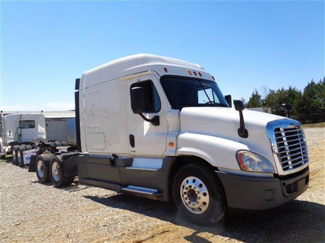 2015 Freightliner Cascadia Evolution Sleeper Semi Truck, Detroit DD15/455,  455HP, 12 Speed Manual For Sale, 478,490 Miles | Troy, IL | 233097 |
