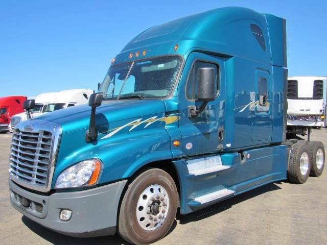 2016 Freightliner Cascadia Evolution Sleeper Semi Truck, Detroit DD15/455,  455HP, 10 Speed Manual For Sale, 458,695 Miles   French Camp, CA   233261  