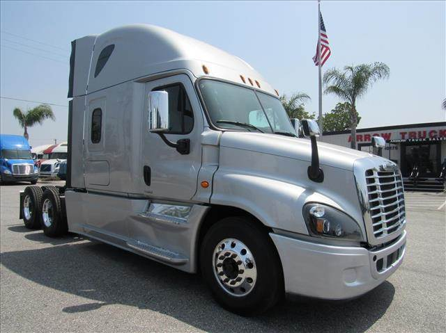 2016 Freightliner Cascadia Evolution Sleeper Semi Truck, Detroit DD15/400,  400HP, 12 Speed Manual For Sale, 445,061 Miles | Fontana, CA | 233687 |