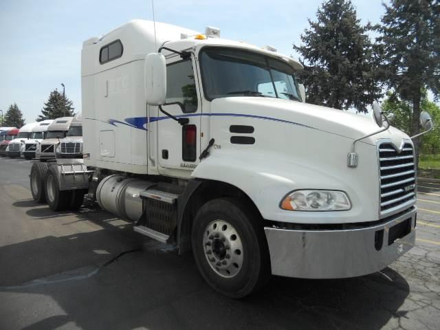2014 Mack Pinnacle CXU613 Sleeper Semi Truck, MP8/415, 415HP, 10 Speed  Manual