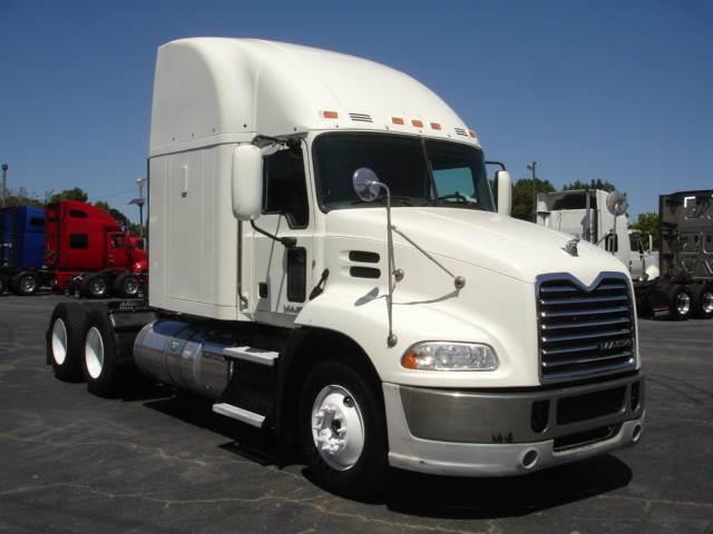2014 Mack Pinnacle Cxu613 Sleeper Semi Truck  Mp8  415
