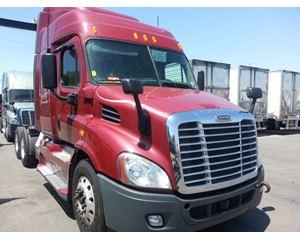 Freightliner Cascadia Freightline Sleeper Truck
