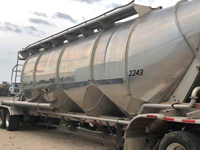 1997 Heil 1,600CU FT DRY BULK TRAILER SAND/CEMENT READY
