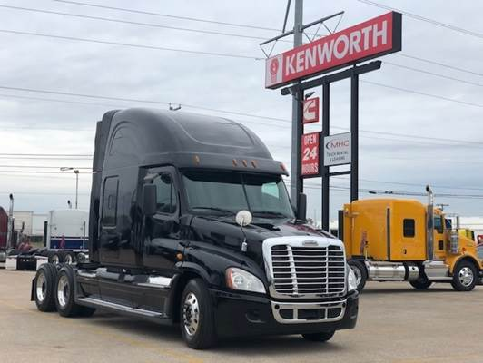 2015 Freightliner Cascadia sleeper truck, 13 speed, double bunk, Thermo  King APU, new virgin drive tires and DPF cleaned! For Sale, 467,098 Miles |