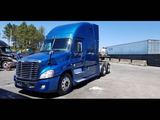 2017 Freightliner Cascadia 125 Sleeper Semi Truck, Cummins, Automatic,  Thermoking APU! For Sale, 500,884 Miles | Mableton, GA | 422915 |
