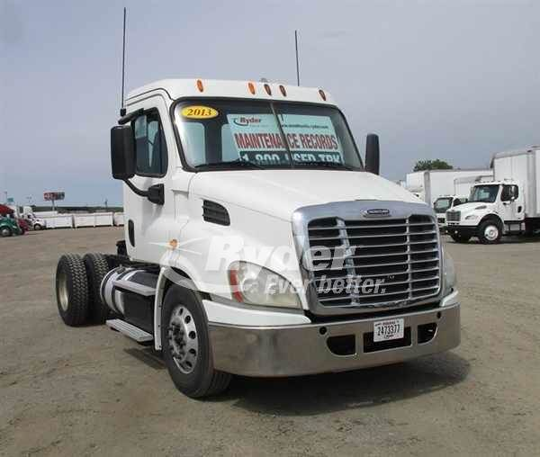 2013 Freightliner Cascadia 113 Single Axle Day Cab Truck, Detroit DD13'10  12 8 450/180, 450HP, 10 Speed Manual For Sale, 122,548 Miles | West