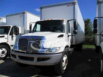2013 International 4300 Single Axle Box Truck, MAXX'10 DT 215/2200, 215HP,  6 Speed Automatic