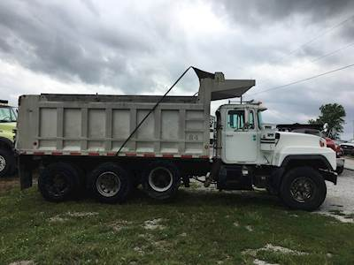 1997 Mack RD690S Tri Axle Dump Truck