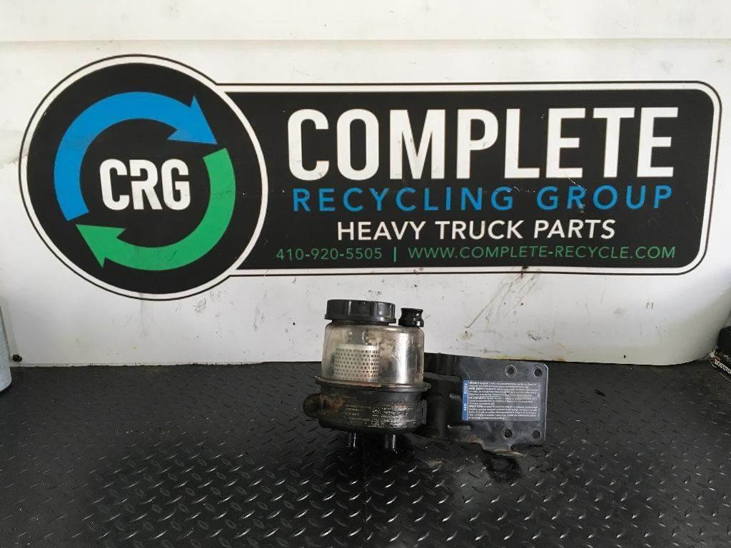GM/Chev (HD) Steering Pump for a 2006 GMC C7500 For Sale